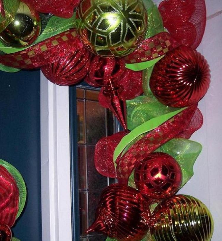 christmas-door-garland